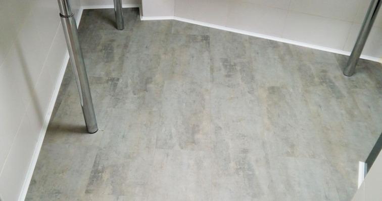 perfileria instalacion suelo vinilo tonos decoracion